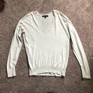 Banana Republic Cream Sweater - Small